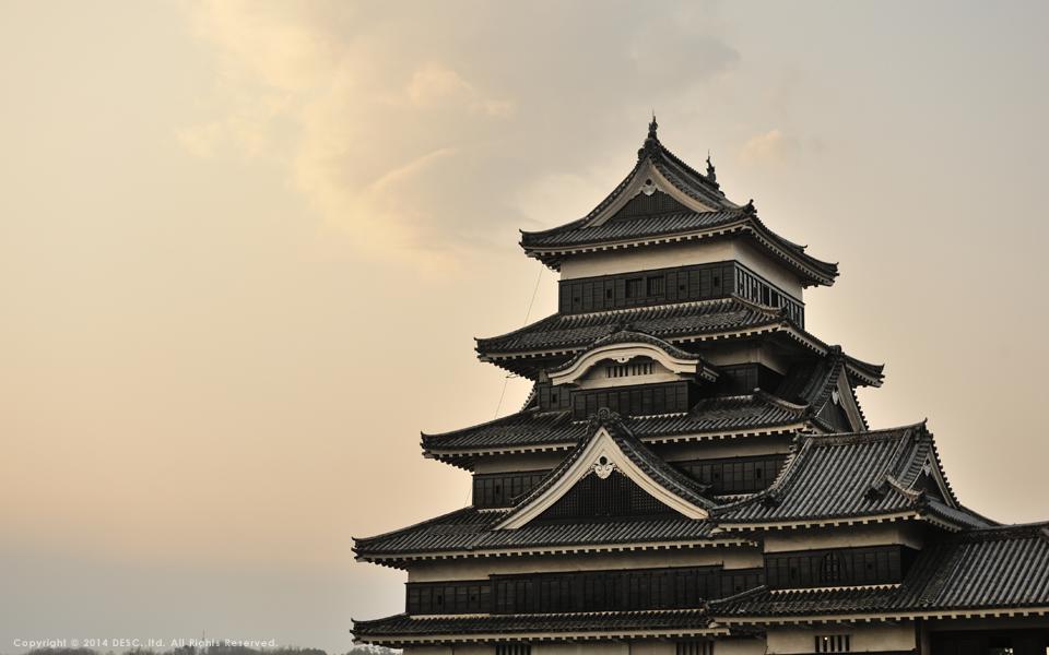 松本城の夕暮れ