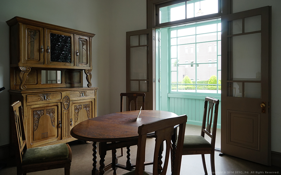 旧司祭館_当時の家具